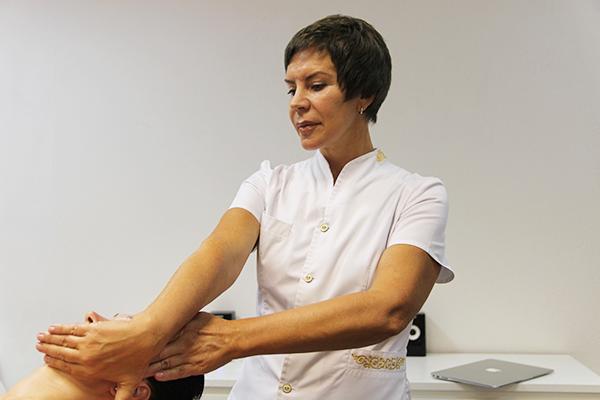 Самомассаж лица в домашних условиях: особенности подготовки, технология проведения, ограничения к процедуре