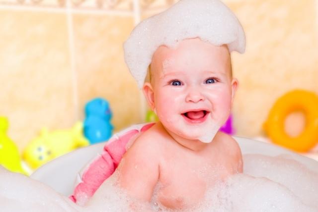 Себорейный дерматит у грудничка: как правильно снимать корочки у ребенка