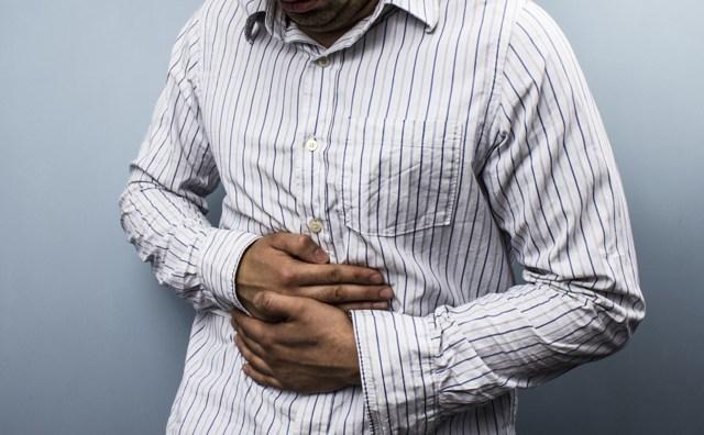 Синдром острого живота: симптомы, диагностика и правила оказания первой помощи