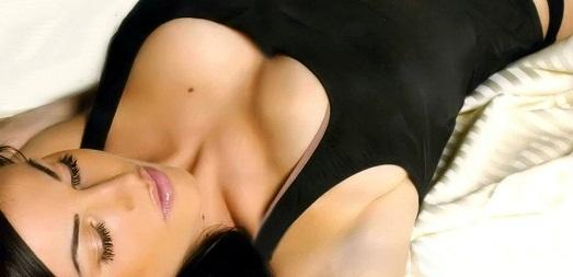Слишком большая грудь: хирургическое вмешательство, косметические и народные средства, принципы диеты