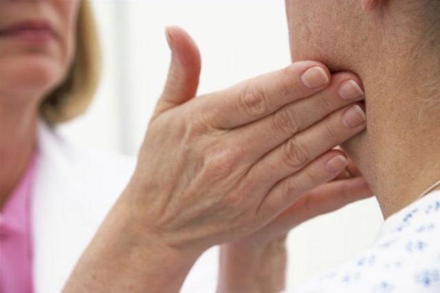 Свинка: симптомы у взрослых, лечение в домашних условиях медикаментами и народными средствами