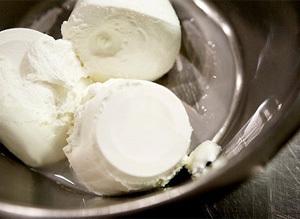 Сыр Маскарпоне: что это такое, состав, польза и вред для организма
