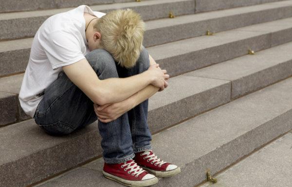 Токсикомания: причины развития, типичные признаки, принципы лечения и вероятные последствия