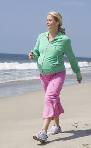Тошнота при беременности на ранних сроках: что делать, как избавиться в домашних условиях
