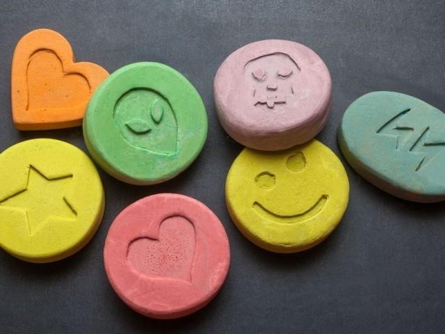 Виды наркотиков, действие опиатов, барбитуратов, психотропных средств, транквилизаторов, лечение наркомании