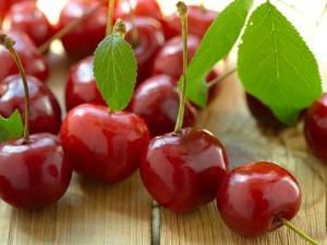 Вишня: полезные свойства и противопоказания к употреблению, использование в народной медицине
