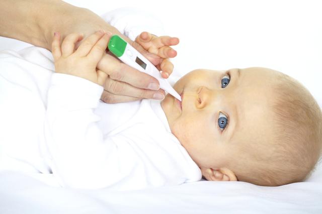 Врожденная пневмония у новорожденных: возбудители заболевания, клинические проявления, особенности лечения и возможные последствия