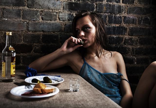 Женский алкоголизм: причины и характерные признаки зависимости, эффективные методы лечения