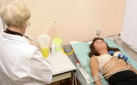 Жировая грыжа век: провоцирующие факторы, характерные признаки, методы обследования и терапии
