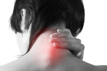 Обострение остеохондроза шейного отдела: причины развития болезни, первая помощь и таблетки при болях, симптомы и лечение