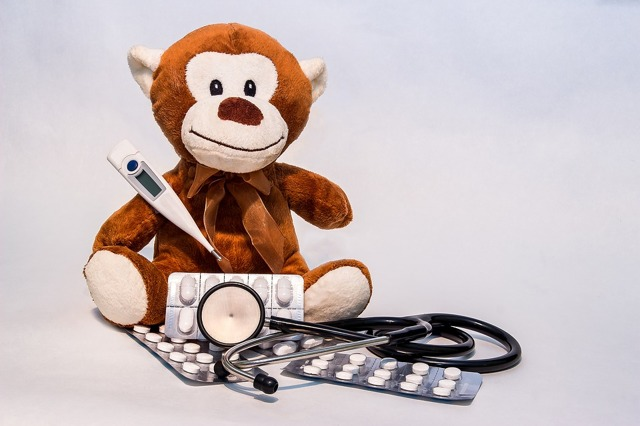 Гипертермический синдром у ребёнка: 7 причин, 3 типа лихорадки, особенности лечения