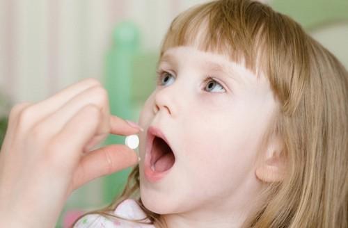 Глисты у детей: 15 признаков, 5 препаратов, 10 народных способов лечения
