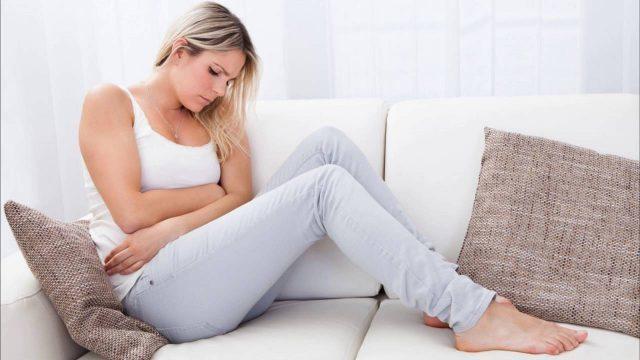 Как снять спазмы при месячных и облегчить свое состояние