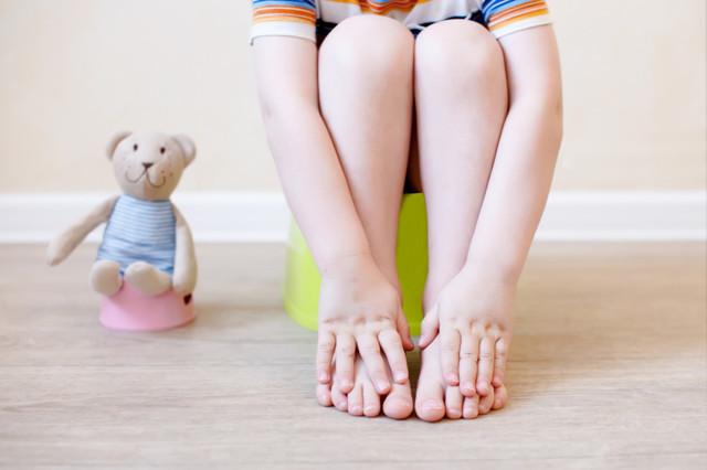 Кровь в кале у ребенка: 9 причин, 5 способов диагностики, 6 методов лечения