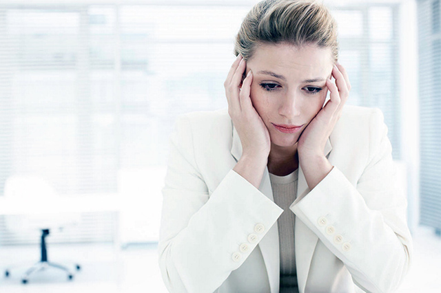 Месячные не начинаются, а тест отрицательный: в чем причина