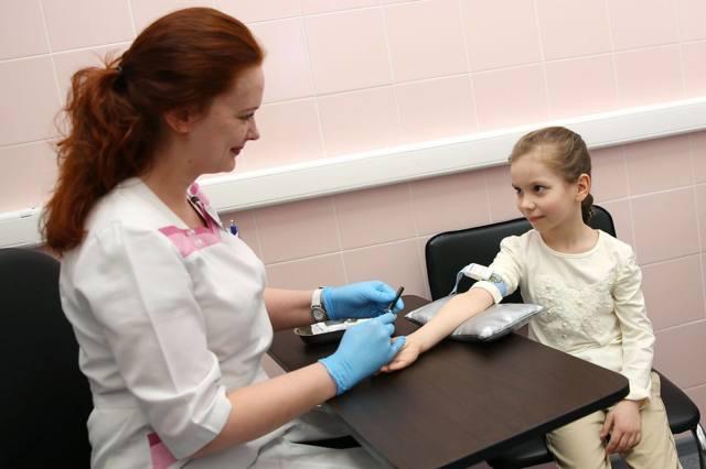 Повышенные лимфоциты в крови у ребенка: 7 причин повышения, подготовка к анализу, расшифровка результатов