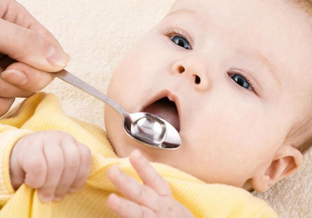 Запор у новорожденного ребёнка: что делать, причины, лечение, профилактика