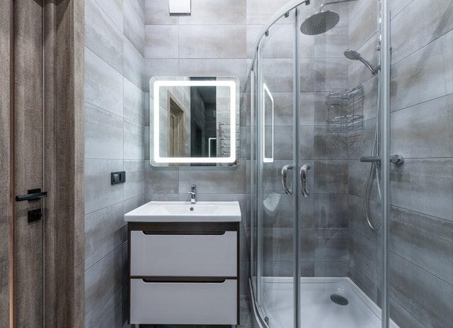 Как установить душевую кабину в ванной?